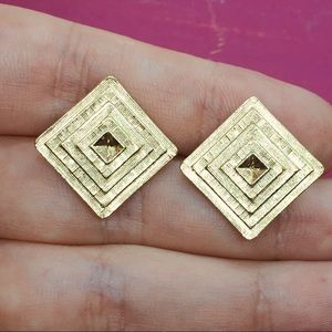 Avon vintage gold earrings